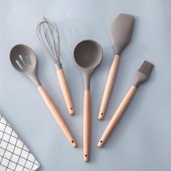 汤勺—厨房用耐高温榉木柄硅胶厨具