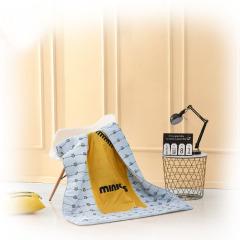 神偷奶爸小黄人多用抱枕被 抱枕被子两用二合一 公司年会礼品推荐
