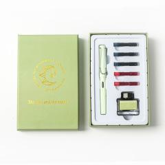 学生钢笔套装礼盒练字书法签字笔礼盒     学生活动奖品送什么
